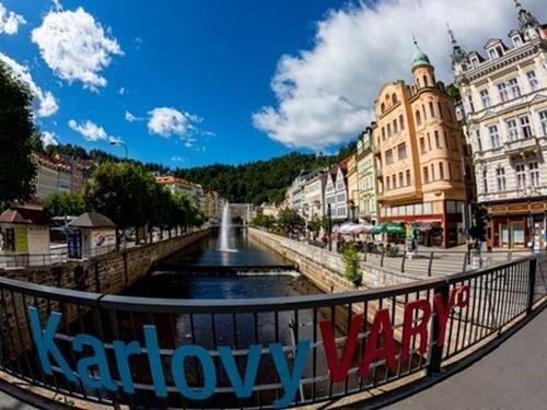 Ubytování v Karlovarském kraji se slevou – nejlepší zážitky v Karlových Varech a okolí čekají jen na vás