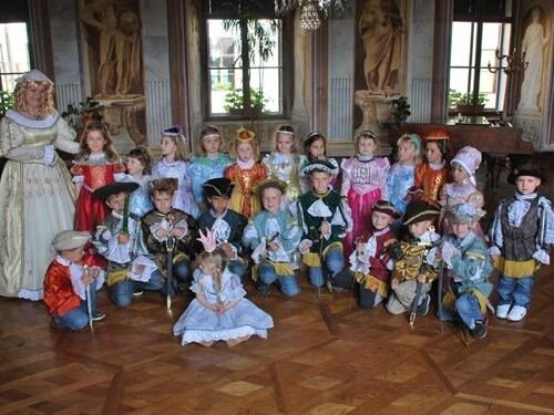 Kostýmové prohlídky – půjčovna historických kostýmů na zámku Milotice