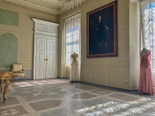 Výstava divadelních kostýmů na zámku Duchcov