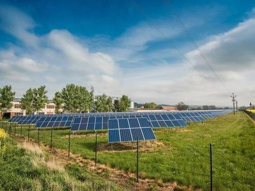 Dny otevřených dveří slunečních elektráren FVE a BESS Prakšice