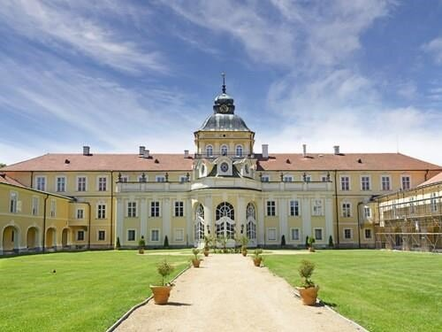 Cesta za pokladem v zámeckém parku Hořovice