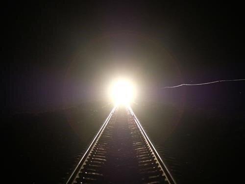 Projekce filmu Pouštní světla (Félix Blume, 2021) s autorským úvodem