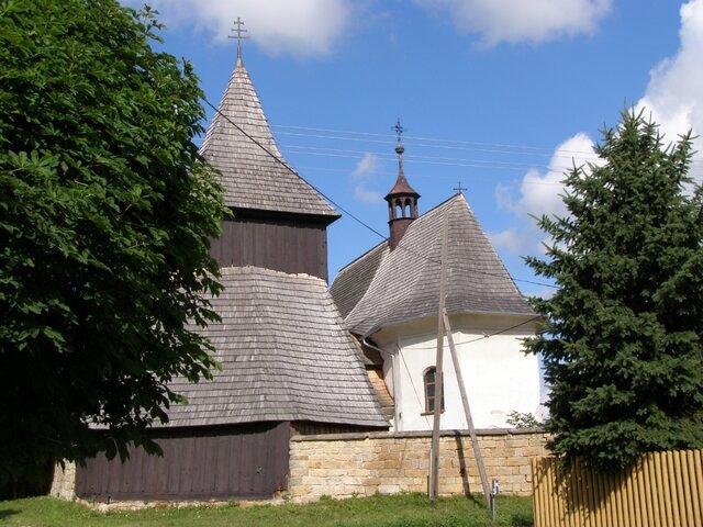 Vysočany – dřevěný kostel sv. Markéty se zvonicí