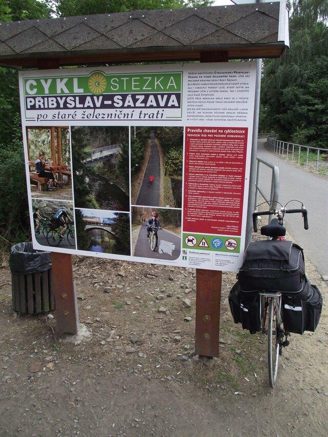 Cyklostezka po staré železniční trati (Přibyslav – Sázava)