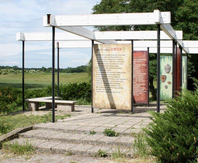 Libice nad Cidlinou - Památník pod hradištěm