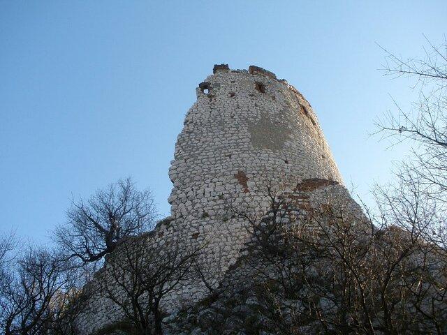 CHKO Pálava - zřícenina hradu Děvičky