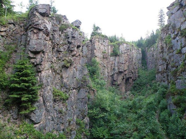 Z Horní Blatné na Blatenský vrch