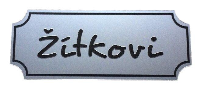 Plastová jmenovka – stříbrná matná, 10 x 4 cm