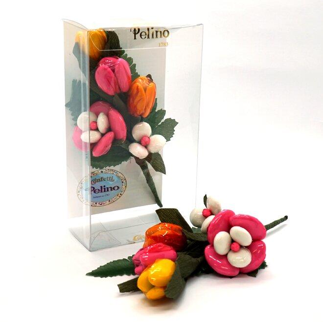 Kytice tulipánů v krabičce