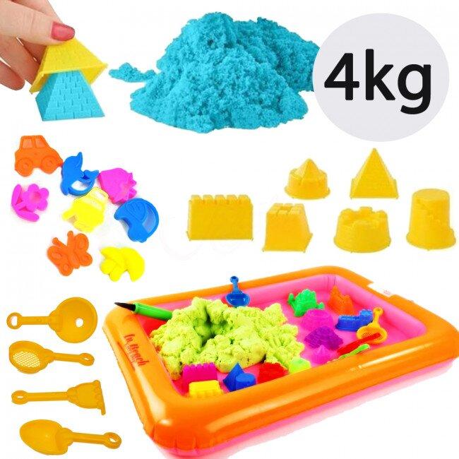 4 kg písku, 18 formiček a pískoviště