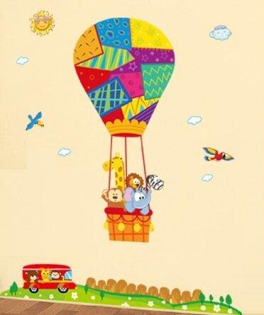 Dětské samolepky na zeď - Zvířátka v létajícím balónu