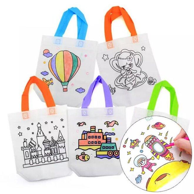 5 vzorovaných tašek k vymalování