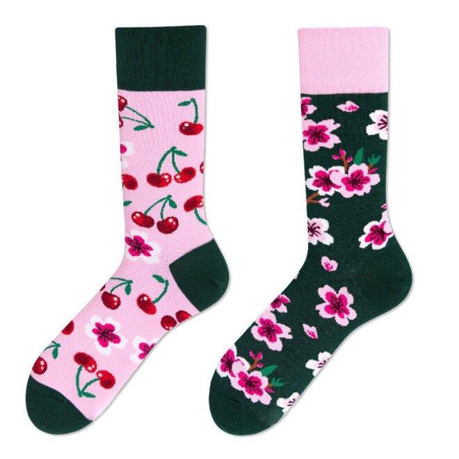 Vysoké ponožky - Třešně