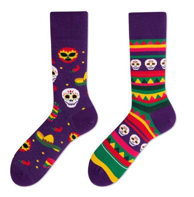 Vysoké ponožky - Lebky