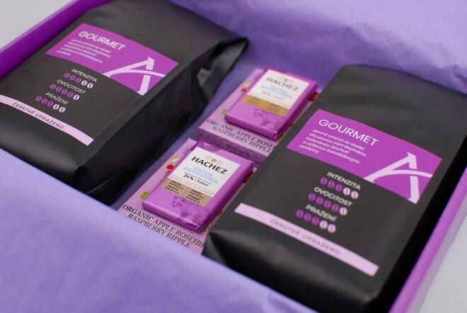 Fialové dárkové balení kávy Gourmet