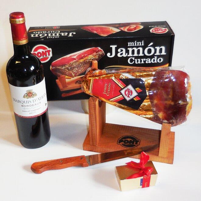 Balení šunky Jamón Curado (stojánek, nůž, pralinky, víno)
