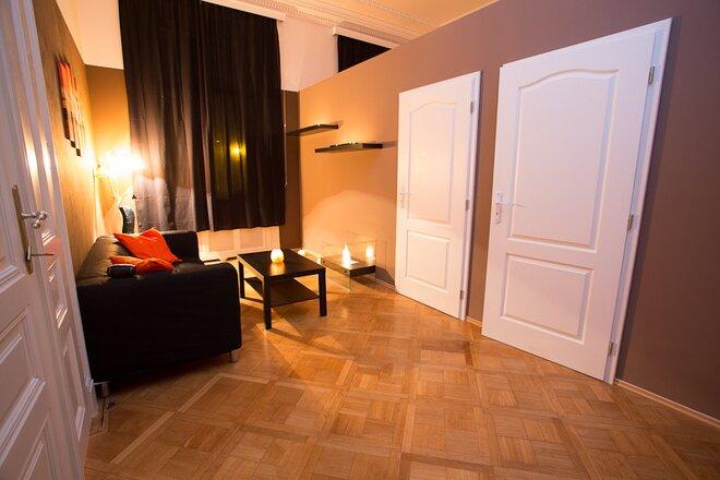 přírodní masážní salon zadní sex