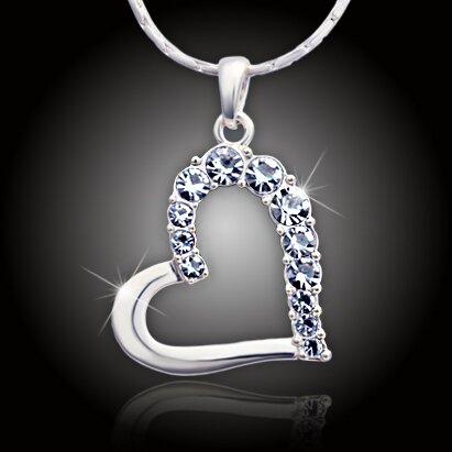 Velké srdce s čirými krystaly