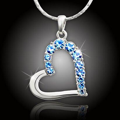 Velké srdce s blankytně modrými krystaly