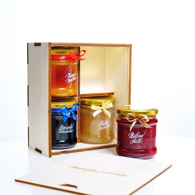 Fit krabička (jahoda bez cukru, medová borůvka, malina březový cukr, mango-maracuja bez cukru)