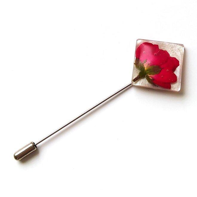 Brož s květem růže