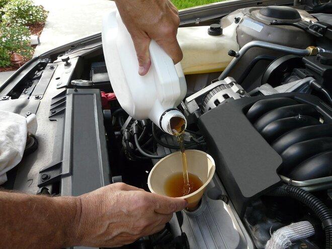 Výměna oleje olejového a vzduchového filtru