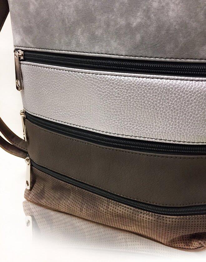 Vnitřní uspořádání kabelky je velmi prakticky řešeno 4151d076ab