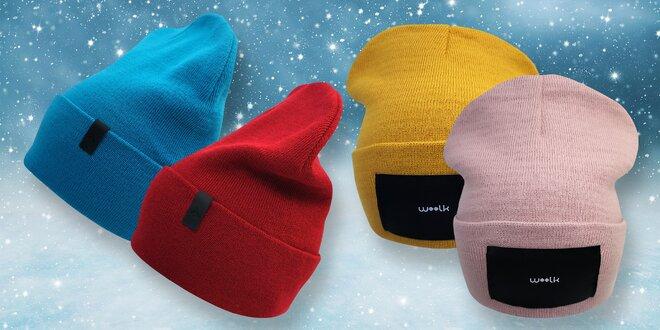 Dámské i pánské čepice: růžová, modrá i šedá