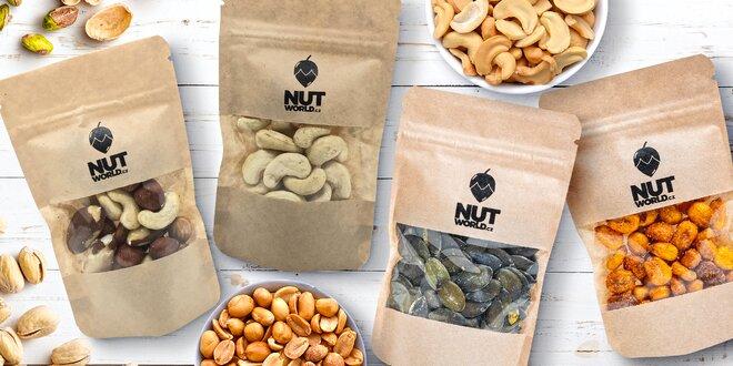 Ořechy do kapsy: mandle, kešu, para i uzené mandle