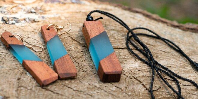 Ručně vyráběné unisex šperky z pryskyřice a dřeva