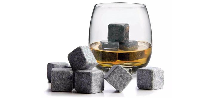 Devět ledových kamenů pro vychlazení nápojů