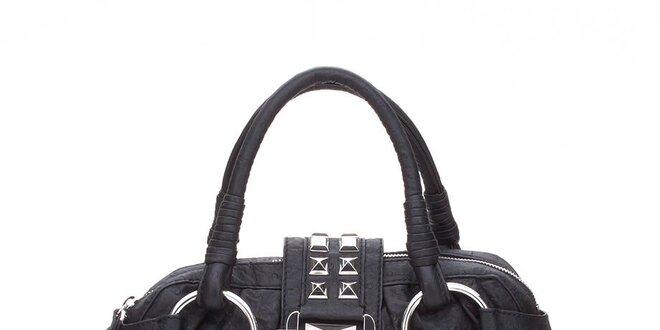 Dámská černá kabelka Guess s kovovými pyramidkami  7245361fdc