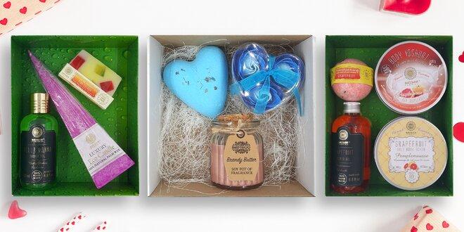 Dárkové balíčky ručně vyráběné kosmetiky a svíček