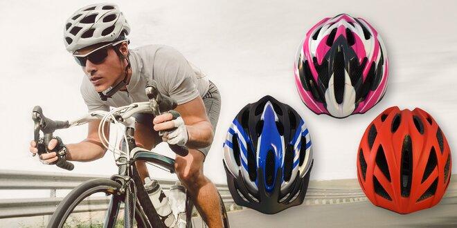 Cyklistické přilby Sting: několik barev i velikostí