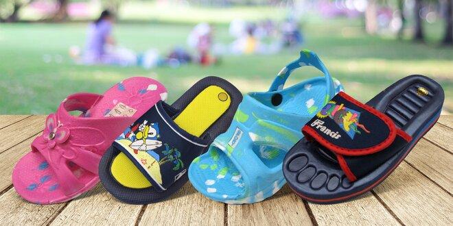 Dětské nazouváky, sandály a pantofle: mnoho vzorů