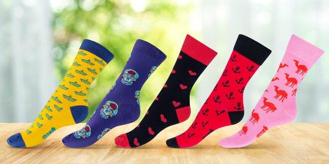 Vysoké barevné ponožky české výroby: 15 vzorů