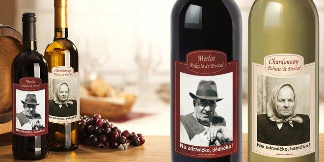Láhev španělského vína s vaší fotografií a textem