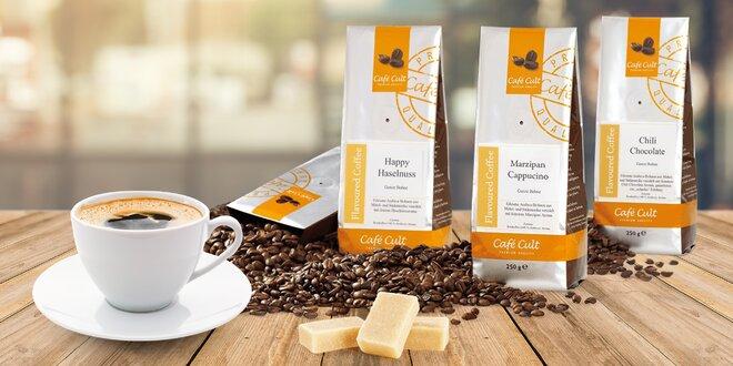 Ochucená zrnková káva: karamel, oříšek i višně