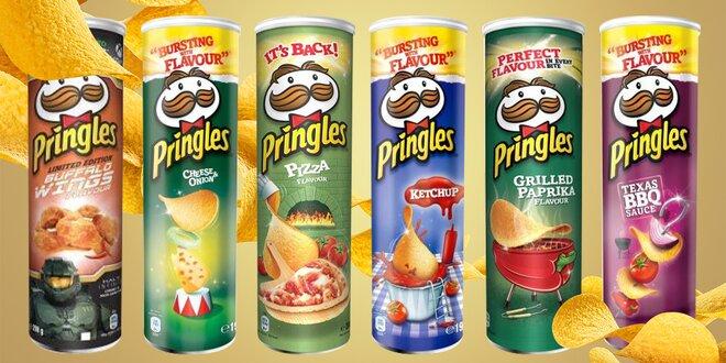 Balení oblíbených chipsů Pringles: 16 příchutí