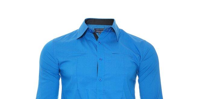 Ležérní modrá košile