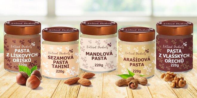 Ořechové pasty z arašídů, sezamu i mandlí