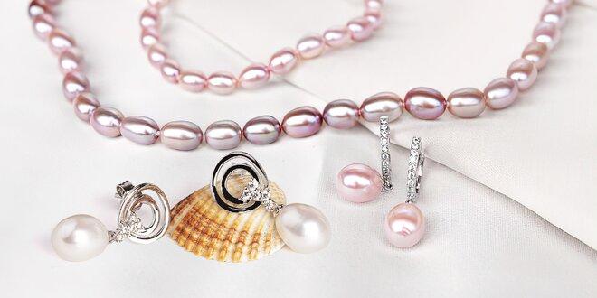 Krásné náušnice a náramky z přírodních perel