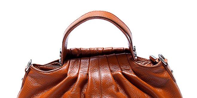 Originální kožená kabelka v koňakové barvě Renata Corsi  d41a1100e7b