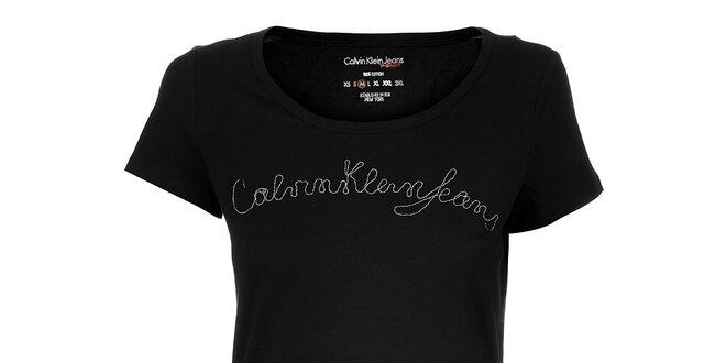 834446109724 Dámské černé tričko Calvin Klein s řetízkem