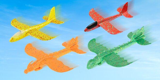 Pěnová házecí letadla: mnoho barev a velikostí