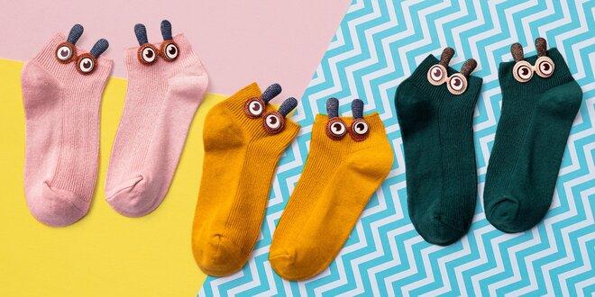 Koukají z bot: veselé dámské kotníkové ponožky