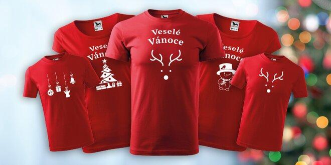Červená vánoční trika pro celou rodinu: 4 varianty