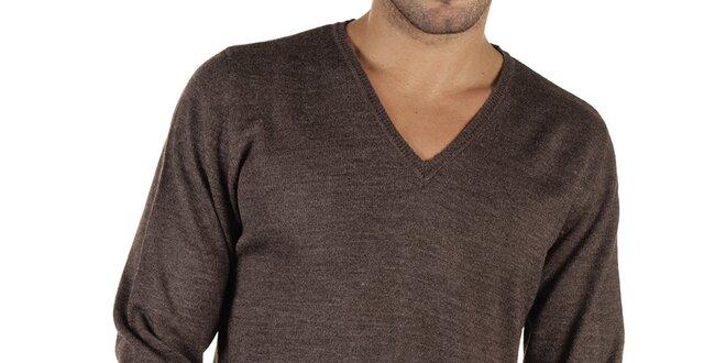 Pánský hnědý svetr s véčkovým výstřihem New Caro