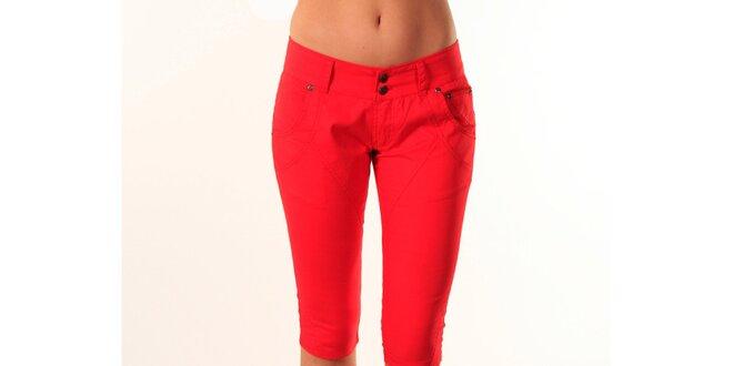 dc2d60a765b Dámské ohnivě červené upnuté capri kalhoty Beste Bat