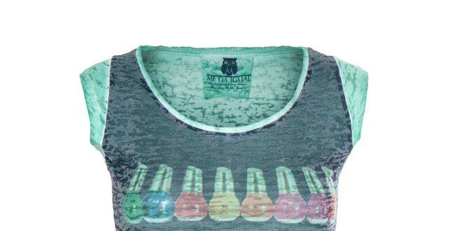 Dámské zelené tričko s barevným obrázkem Me Da Igual